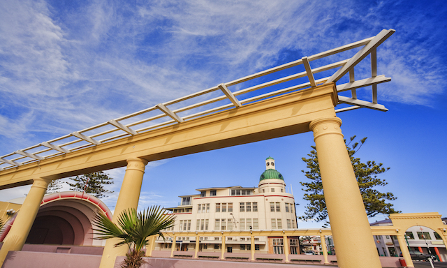 Art Deco Drive and Walking Tour